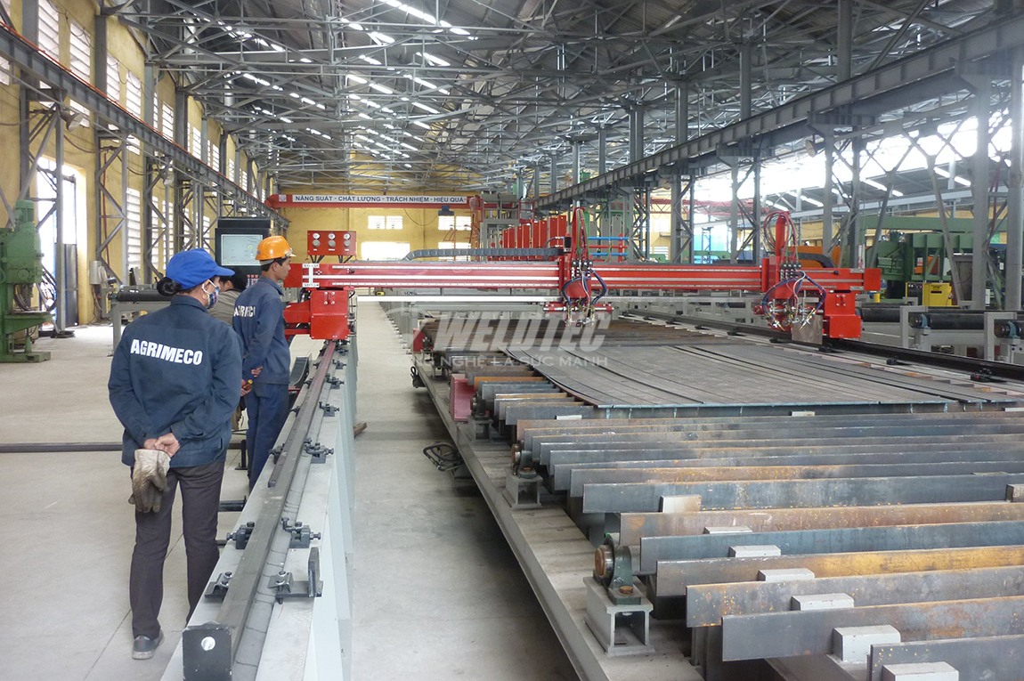 Nhà máy sản xuất sử dụng máy cắt Plasma CNC