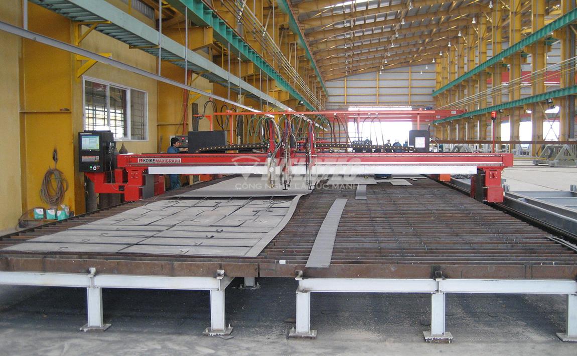 Weldec lắp máy cắt Plasma CNC cho nhà máy sản xuất