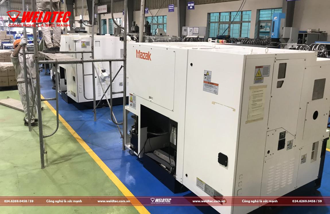 Máy Tiện Ngang CNC