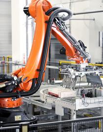 Robot Boc Xep Hang Kuka